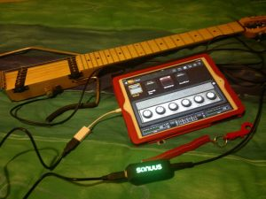 Photo of Ministar Testar guitar, iPad and Sonuus i2M