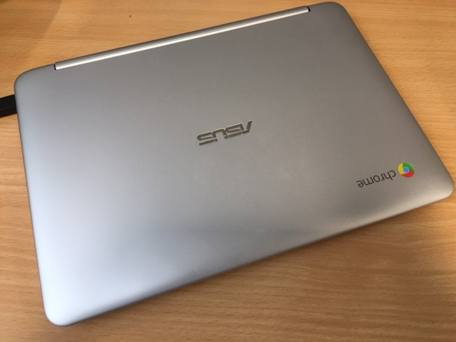 Photo of ASUS Chromebook Flip C100PA, closed